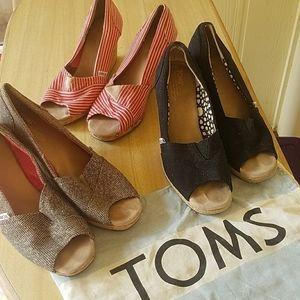 TOMS wedge heel shoes